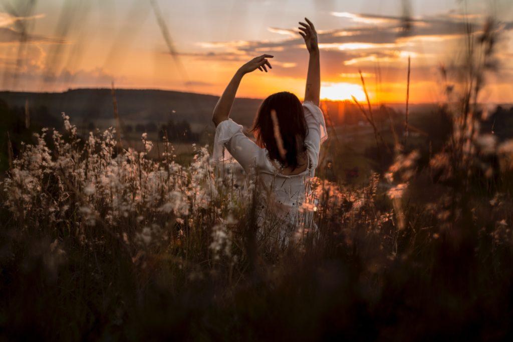 meditácia robí ľudí šťastnejšími
