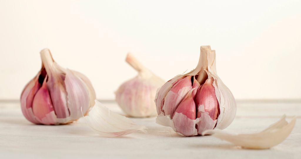 cesnak pomôže odstrániť bradavice