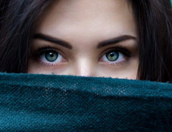 Vačky pod očami: Postrach skorých zimných rán