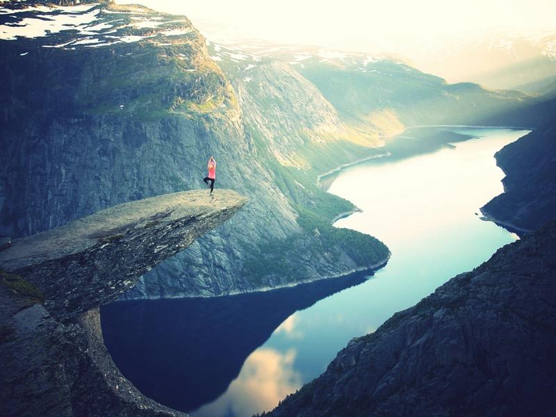 Jóga totiž vytvára priestor na realizáciu nás samých, hoci o tom mnohokrát nevieme.