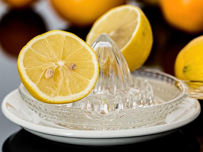 citrón môže odstrániť strie