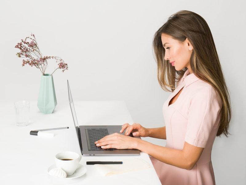 žena žiada o príspevok na podnikanie