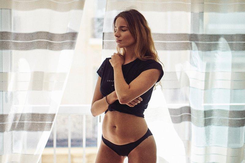 žena po abdominoplastike