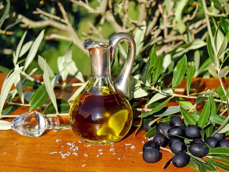 Olivový olej pomáha pri boji proti striám na zadku