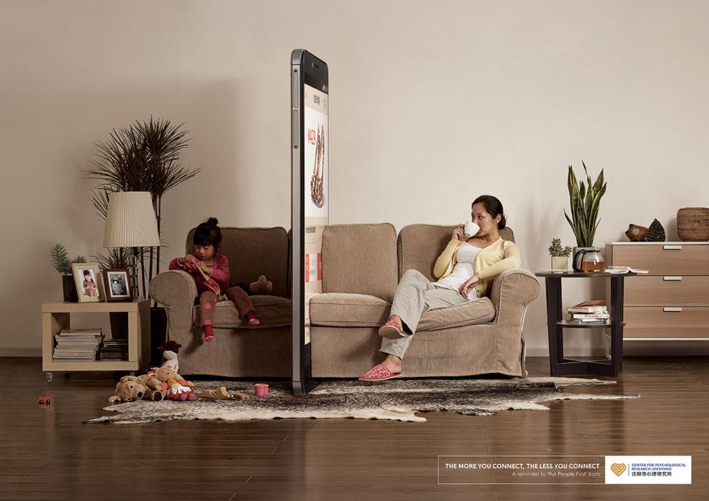 smartfón môže poškodiť ľudské vzťahy