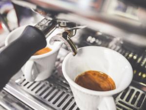 káva odvodňuje