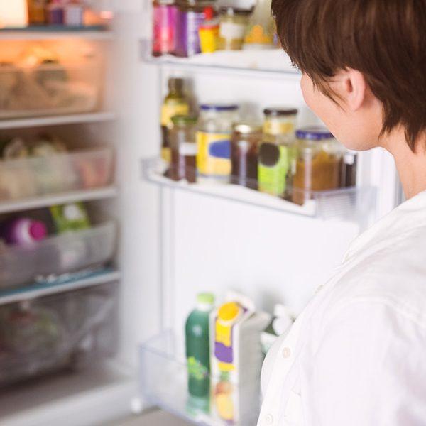 Nie všetky potraviny sú v chladničke vítané. Naučte sa s nami rozoznať, ktoré potraviny nemusíte dávať do chladničky.